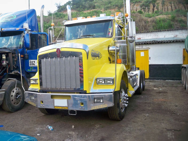 Tractomula Kenworth